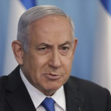"""B. Netanyahu metams užleistų premjero postą, kad išvengtų """"kairiųjų vyriausybės"""""""