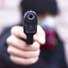 Jonavoje – išpuolis prieš nepilnametę: du vyrai grasino pistoletu