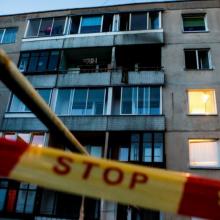 Radviliškio rajone žuvo, manoma, pro langą iškritusi moteris