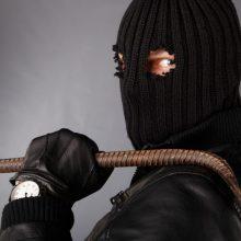 Sučiuptas brutalius nusikaltimus vykdęs plėšikas: auką paliko net be šortų