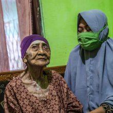 Koronavirusą įveikė šimtametė indonezietė