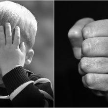 """Vaikystėje patirtas smurtas – """"kryžius"""", kurį vaikas neš ir suaugęs?"""