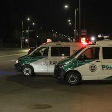 Vilniuje į stulpą rėžėsi lengvasis automobilis