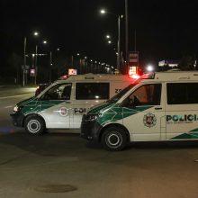 Kupiškio rajone apsivertus automobiliui nukentėjo jį vairavęs vaikinas ir dvi paauglės