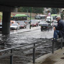 Savaitgalį pajūrys gali sulaukti antros potvynio bangos – merks stiprūs lietūs
