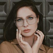 Penkios populiariausios rudens sezono akinių tendencijos pagal stilistą J. Šatą