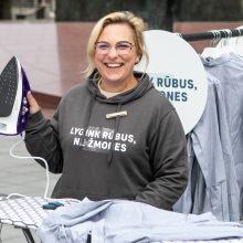 Ragina lyginti marškinius, o ne žmones: kelio į darbo rinką negali užkirsti praeitis