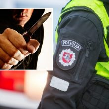 Anykščiuose sulaikomas vyras peiliu sužalojo policininką