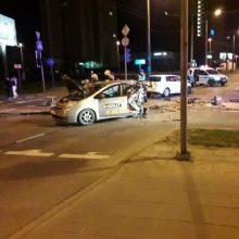 """Merginą pražudęs neblaivus """"CityBee"""" vairuotojas stojo prieš teismą"""