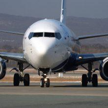 """Dar vienas incidentas Rusijoje: tupiantis laineris """"Boeing 737"""" nuslydo nuo tako"""