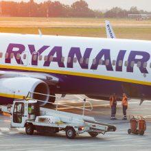 """Iš Vilniaus vos pakilęs """"Ryanair"""" lėktuvas turėjo grįžti: sutriko keleivio sveikata"""