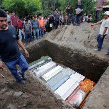 Meksikoje masinėse kapavietėse aptikti 35 žmonių kūnai