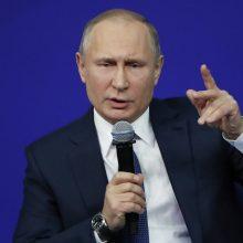 V. Putinas paragino nepriešinti Rusijos santykių su Kinija ir Vakarais