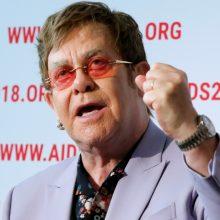 E. Johnas pasmerkė Rusiją ir Rytų Europą dėl gėjų diskriminacijos