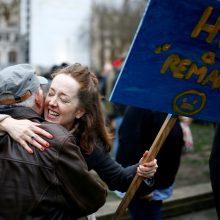Iš ES išstojusiai, bet susiskaldžiusiai Britanijai išaušo nauja era