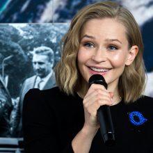 Į TKS filmuotis skrisianti Rusijos aktorė: per vėlu bijoti