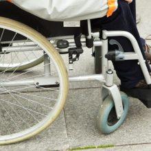 Dėl apsaugos priemonių trūkumo sutriko neįgaliųjų lankymas namuose