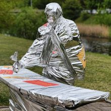 Norėdami atkreipti dėmesį į kultūrą menininkai uždengė 10 skulptūrų