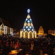 Kėdainių senamiestyje – didinga Kalėdų eglutė