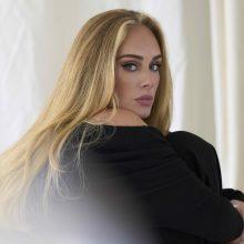 """Adele po ilgos pertraukos išleido naują dainą """"Easy On Me"""""""