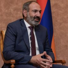 Premjeras: pirmalaikiai parlamento rinkimai Armėnijoje privalo būti surengti šiemet