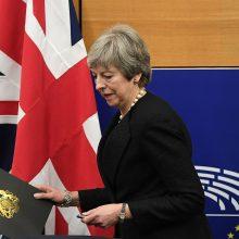 """Th. May: nepriėmus susitarimo, """"Brexit"""" gali neįvykti"""
