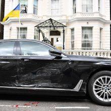 Londone sulaikytas vyras, rėžęsis į stovėjusį Ukrainos ambasadorės automobilį