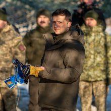 Ukrainos prezidentas prieš derybas su V. Putinu susitiko su kariais