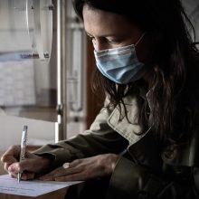 Prancūzijoje per parą nuo koronaviruso mirė mažiau žmonių nei ankstesnėmis dienomis