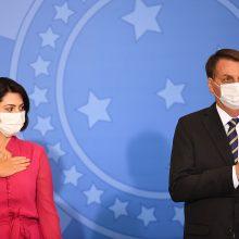 Brazilijos prezidento žmonai ir dar vienam ministrui patvirtintas koronavirusas