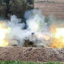 Per Izraelio antskrydžius Gazos Ruože sekmadienį žuvo 17 žmonių