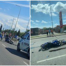 Netoli judrios sankryžos – avarija: motociklo vairuotojas išvežtas į Kauno klinikas