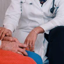 A. Dulkys: ligoninės gali spręsti, ar įsileisti imunitetą turinčius lankytojus