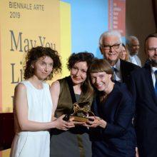 """""""Auksinį liūtą"""" Venecijos bienalėje pelniusioms autorėms – premijos"""