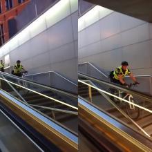 Policija: štai kaip pareigūnai treniruojasi laiptais leistis dviračiais