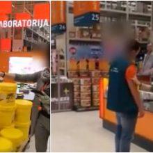 """Kauno """"Ermitažo"""" darbuotojas iškeikė ir grasino klientui <span style=color:red;>(vaizdo įrašas)</span>"""
