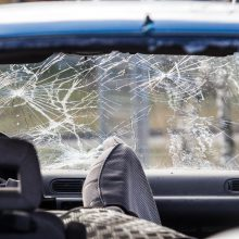 Tauragės rajone kelis kartus vertėsi automobilis: sužeisti keturi jaunuoliai