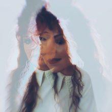 Freya Alley pristato naujos dainos vaizdo klipą: mes kiekvieną rytą kuriame save iš naujo