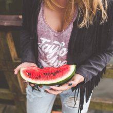 Trys patarimai lengvesnei nėščiųjų vasarai: savijautą gali pabloginti ir arbūzas
