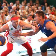 """Akistata: ketvirtfinalyje """"Neptūnas"""", vedamas S.Galdiko <span style=color:red;>(dešinėje)</span>, nesustabdė Ž.Skučo ir Utenos komandos."""