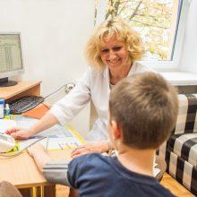 Laukia permainos: vaikui susirgus mokyklai nebereiks pateikti popierinių pažymų