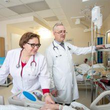 G.Kramilius su gydytoja kardiologe Aurelija Nakutiene džiaugiasi, kad Terapijos klinikoje Vidaus ligų, Kardiologijos, Neurologijos skyrių struktūra yra unikali savo paslaugomis