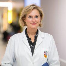 Profesorė R. Verkauskienė žino daugybę atvejų, kai endokrininės ligos slepiasi lyg chameleonai, ir nuoširdžiai siekia, kad jomis sergantys ligoniai gautų efektyviausią pagalbą, iš jos – ir inovatyviausius vaistus.