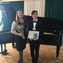 Mindaugas Simukaitis su savo mokytoja