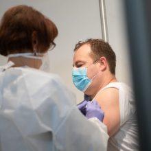 """SAM: Lietuvą pasiekė 12-oji """"BioNTech ir Pfizer"""" vakcinų siunta, didėja skiepijimo tempai"""