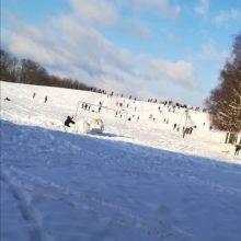 Ant I. Simonaitytės kalno –  daugybė žiemos pramogų mėgėjų