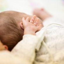 COVID-19 sirgusiai nėščiajai prireikė skubios operacijos: dvynukes pamatė tik po šešių parų