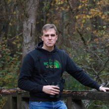 Stebėti paukščių į miškus kviečiantis M. Karlonas:  kartais žygiai būna ekstremalūs
