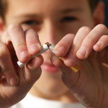 Daugėja ieškančių pagalbos mesti rūkyti