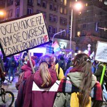 Lenkijoje šimtai žmonių susirinko protestuoti prieš abortų draudimą